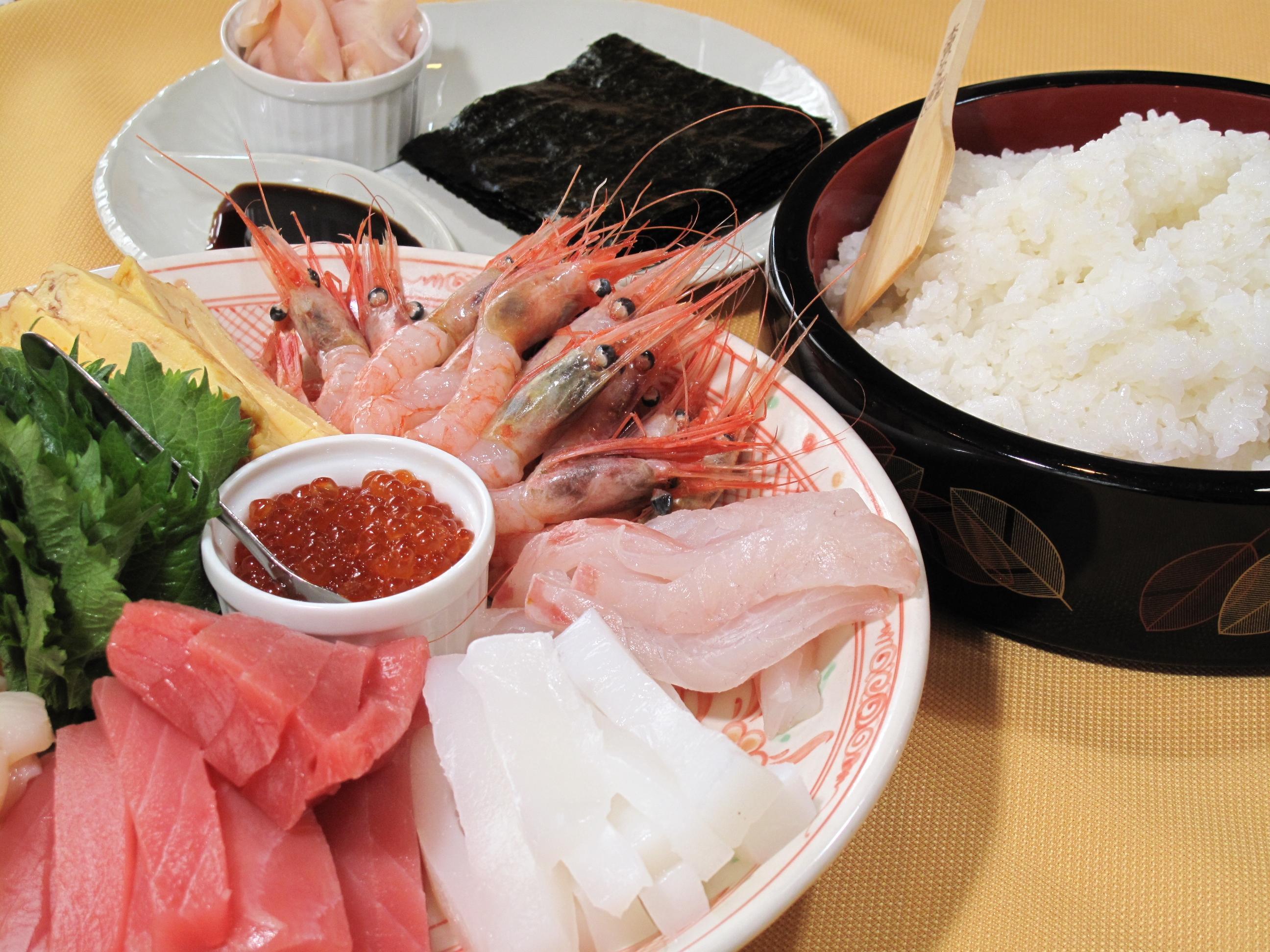 家族で楽しむ手巻き寿司