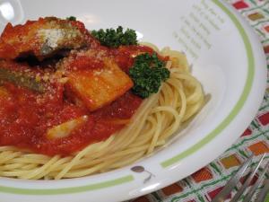 秋鮭のトマトソーススパゲティ