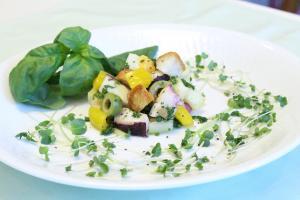 タコのパンツァネッラ風サラダ